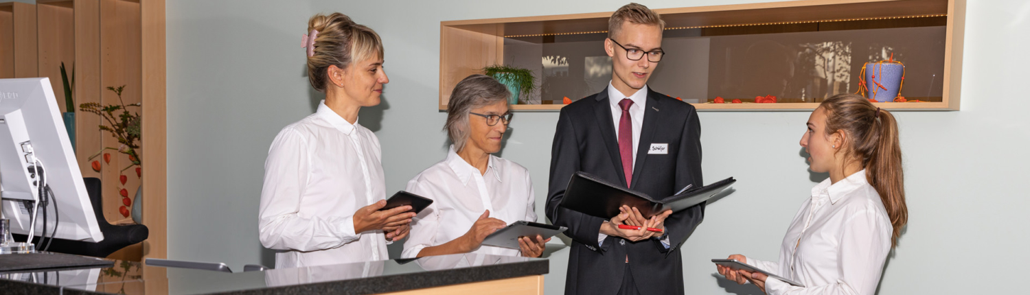 Check Up Hotel und Gastronomie